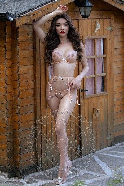 Vanessa Hilton  PADOVA 3245846577